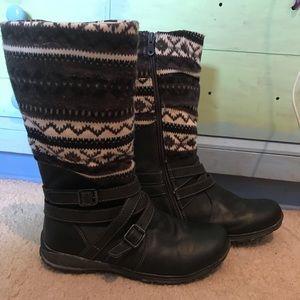- Beeko Boots